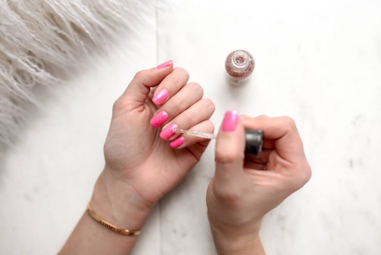 How to Paint Nail Polish