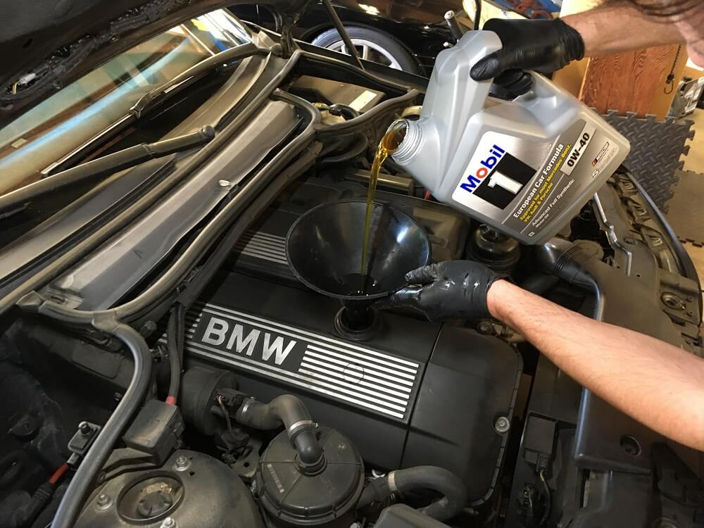Filling Car with new oil